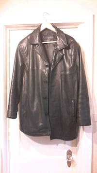 Men's Size Medium Waist Length Leather Jacket  London, N6B 2K6
