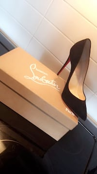 Size 38. Black Suede So Kate's Christian Louboutin's. Toronto, M2J 1M1