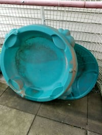 Turtle sandbox/baby pool with lid Maple Ridge, V2X