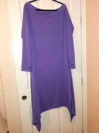 purple scoop-neck long-sleeved dress