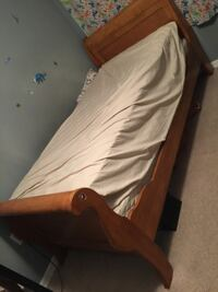 Twin bed with bed frame and mattress. Clean no stains or rips. Smoke free home Fort Myers, 33907