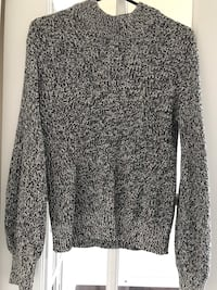 Long-Sleeve Grey Sweater Mississauga, L5B