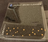 2 Make up brush cleaners OBO