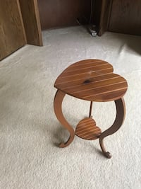Heart shaped Accent Table 133 mi