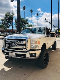 2011 - FORD - F-250 SUPER DUTY - LARIAT- DIESEL - 6.7 - 4x4 - TURBO - SMOG CERT ON HAND  Glendale, 91204