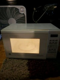 white General Electric microwave oven Toronto, M4X 1M2
