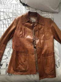 Brown leather button up jacket Bolton, L7E 1X5