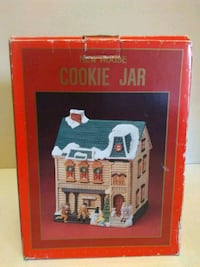 Christmas New House Cookie Jar Great Condition