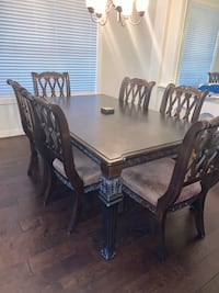 Formal wood 6 chair dining room table  Houston, 77057