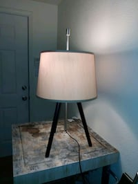 Tripod lamp with shade with two bulbs on pull chains