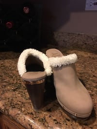 Pair of brown juicy couture mules never worn size 10