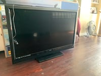"47"" Flat Screen TV - Vizio E470VLE"