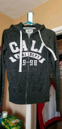 Cali sweater  Los Angeles, 90044