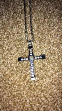 silver-colored necklace with cross pendant London, N5Y 1V3