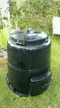 Lightweight composter fits in car