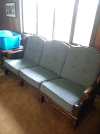 Couch (ethan allen) East Islip, 11730