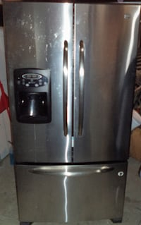 MAYTAG STAINLESS STEEL FRIDGE FOR SALE! Toronto