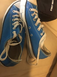 pair of blue-and-white low top sneakers Dollard-des-Ormeaux, H9B 1Y4