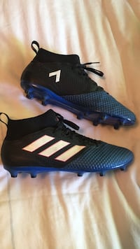Adidas cleats mens size 10