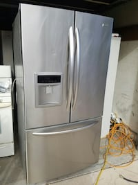 silver french refrigerator with water dispenser Camarillo, 93010