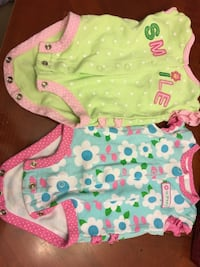 Carters baby girl cute outfits with ruffles on bum (newborn size) Mississauga, L5J 3V9