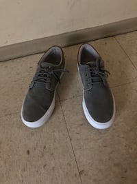 Pair of gray low-top sneakers size 10 Winnipeg, R2K 4A1