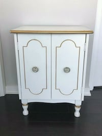 White Side or End Table Toronto, M6S 5B5