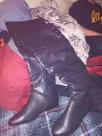 Size 9 leather boots