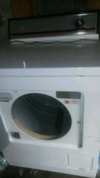 white and black front-load clothes washer Youngstown, 44502