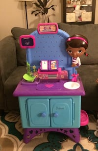 Doc McStuffins playset & Doctor certificate with patient check up sheets  Forest Acres, 29204