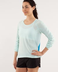 Lululemon top Vaughan, L4K 1M6