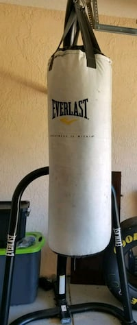 Everlast heavy bag with stand Ocala