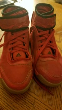 Very good condition size 4  Troy