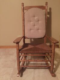Cracker Barrel Rocking Chair Lombard, 60148