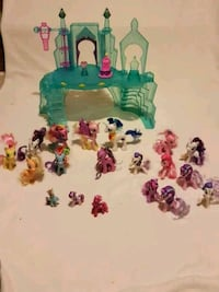 My little pony Castle And lits of ponies  Caledon, L7E 2R4