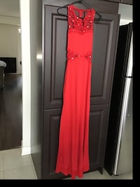 New red gown comes with add ons Brampton, L6V 3X9