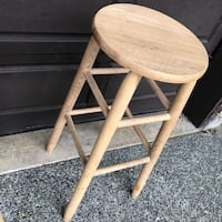 2 UNFINISHED OAK STOOLS Coquitlam, V3C 4X7