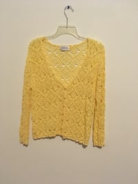 women's yellow knitted v-neck sweater Pasco, 99301