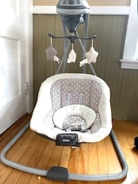 Baby swing for sale - good condition Malden, 02148