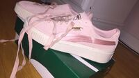 Suede pink and gold pumas Toronto, M9W 4L6