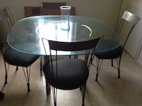 Round glass top table with four chairs dining set ....quick sale u pic up Pikesville, 21208