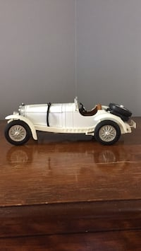 Mercedes Benz roadster 1/18 diecast model  Toronto, M3J 1Y4