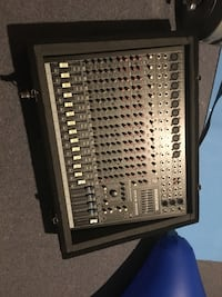 Mackie CFX16 mixer with case Silver Spring, 20904