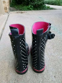 pair of black-and-pink rain boots Catonsville, 21228