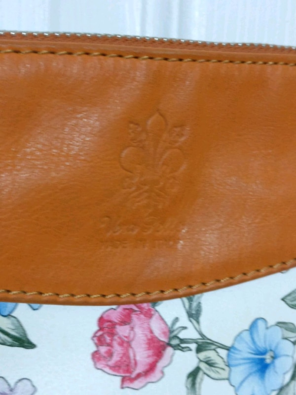 Leather bag made in Italy 0a1c2ab3-2385-4b3c-9690-dc3bd5711550