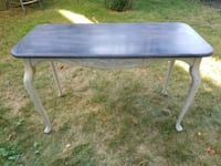 Distressed painted table  West Sayville, 11796