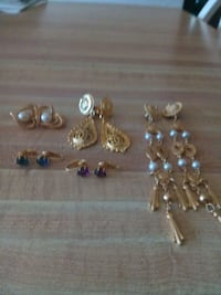 5 pairs of clip on earrings