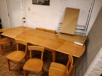 Nice wooden dining table with 8 chairs in good condition, 2 chairs sti Annandale, 22003