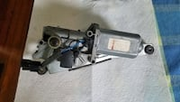 Range rover 98 rear wiper motor hood working order Guilford, 06437