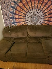 Loveseat/couch  Eugene, 97402